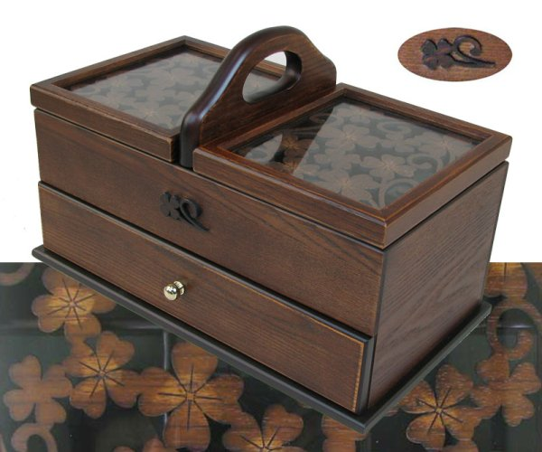 Photo1: Clover sewing box called happy four-leaf clover with a carving  (1)