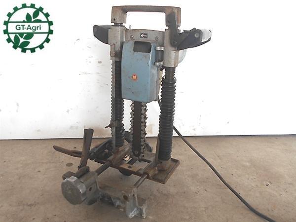 Photo1: MAKITA Chain Mortiser Woodworking tools AC100V 7100B #2 (1)
