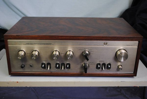 Photo1: LUXMAN L-504 Integrated Amplifier (1)