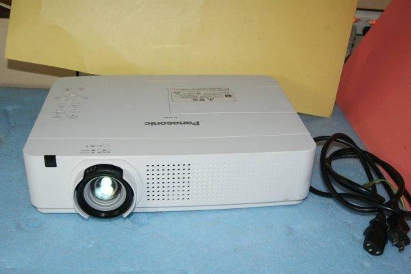 Photo1: Panasonic Projector PT-VX400 (1)