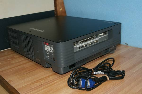 Photo1: Panasonic Projector TH-DW5000  (1)