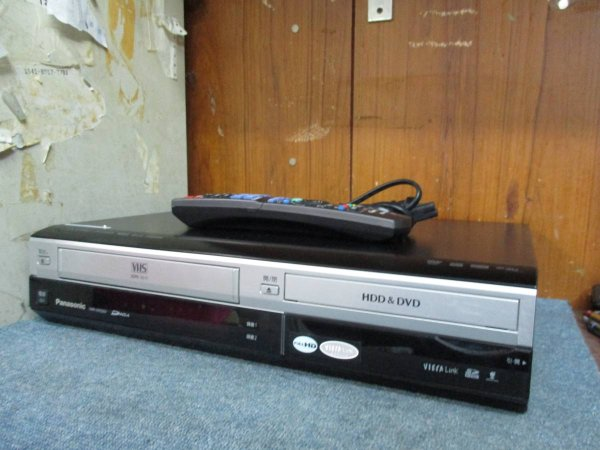 Photo1: Panasonic VIDEO DECK VCR DMR-XW200V HDD equipped VHS integrated high definition DVD recorder (1)