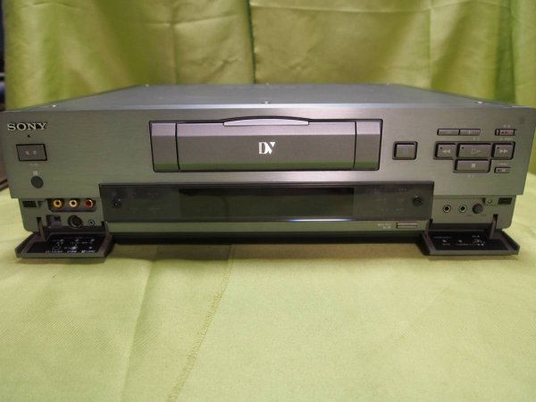 Photo1: SONY VIDEO DECK VCR DHR-1000 (1)
