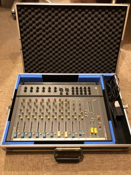 Photo1: Soundcraft Spilit Folio 18 (1)