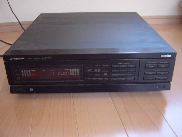 Photo1: PIONEER LD Player CLD-303 (1)