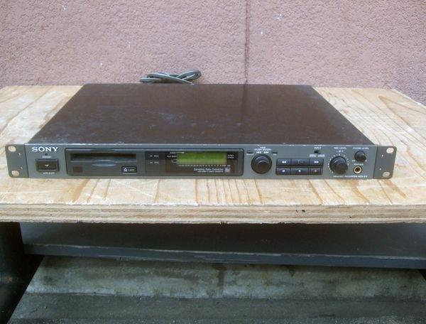 Photo1: SONY MDS-E11 MINIDISC RECORDER (1)